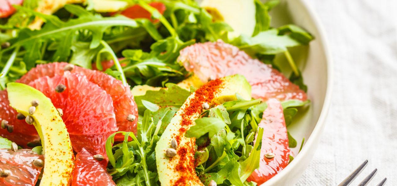 Snelle avocado-grapefruit salade